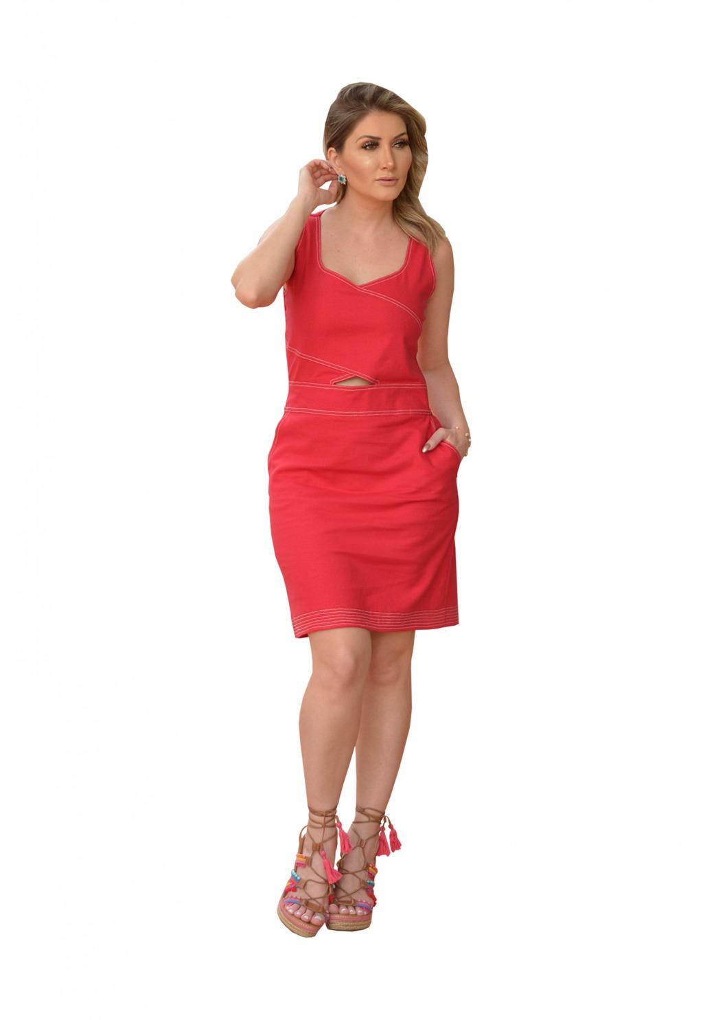 Vestido Mamorena cavado com pespontos