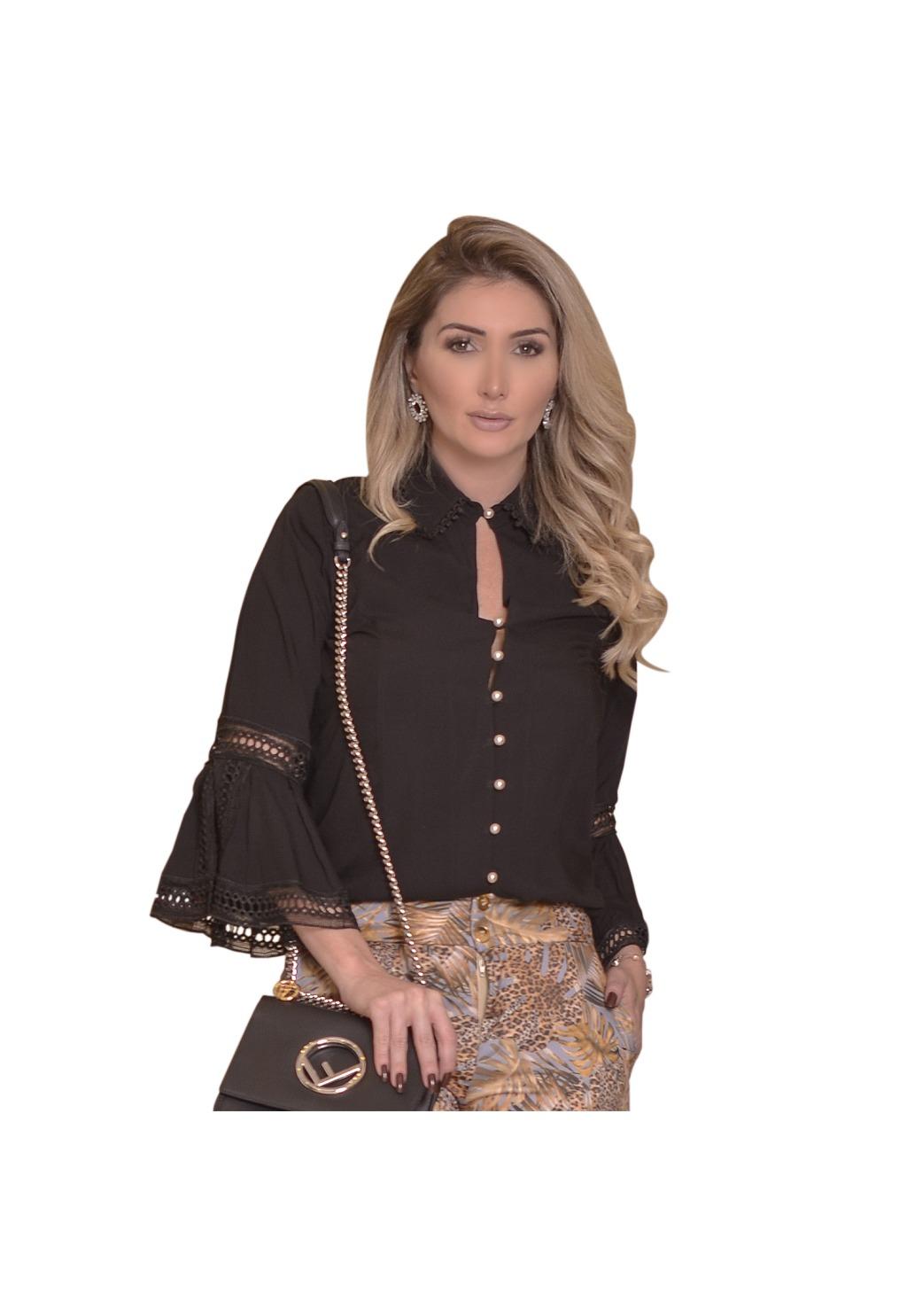 Camisa Mamorena detalhe entremeios botão pérola