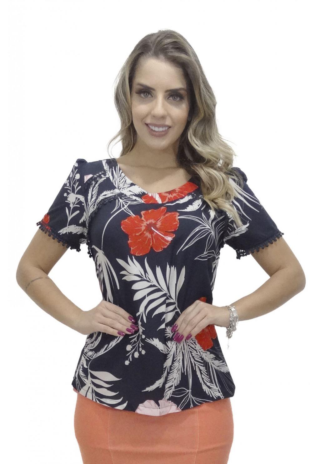 Blusa Mamorena recortes e mangas com rendinha