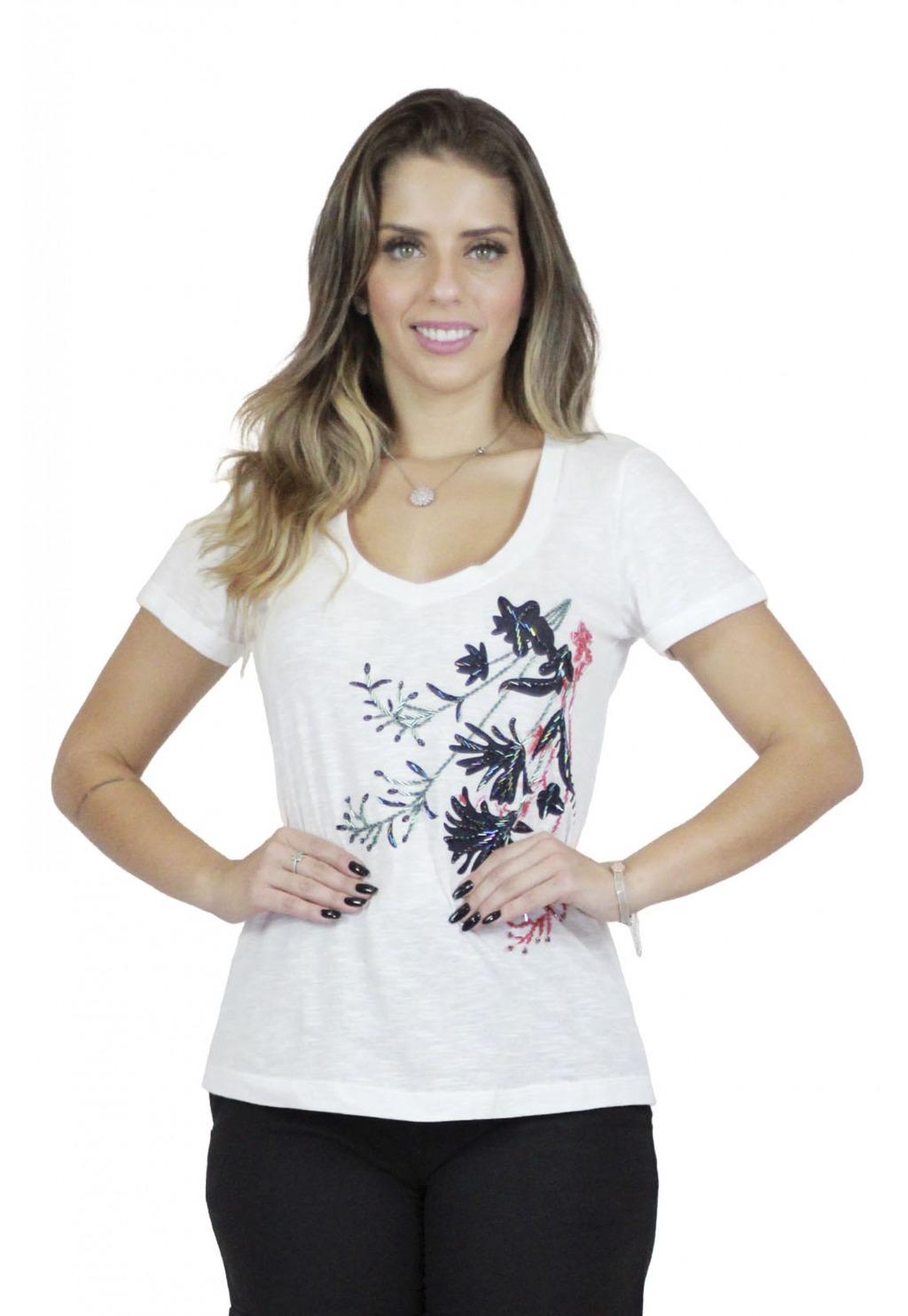 T-shirt Mamorena com bordado