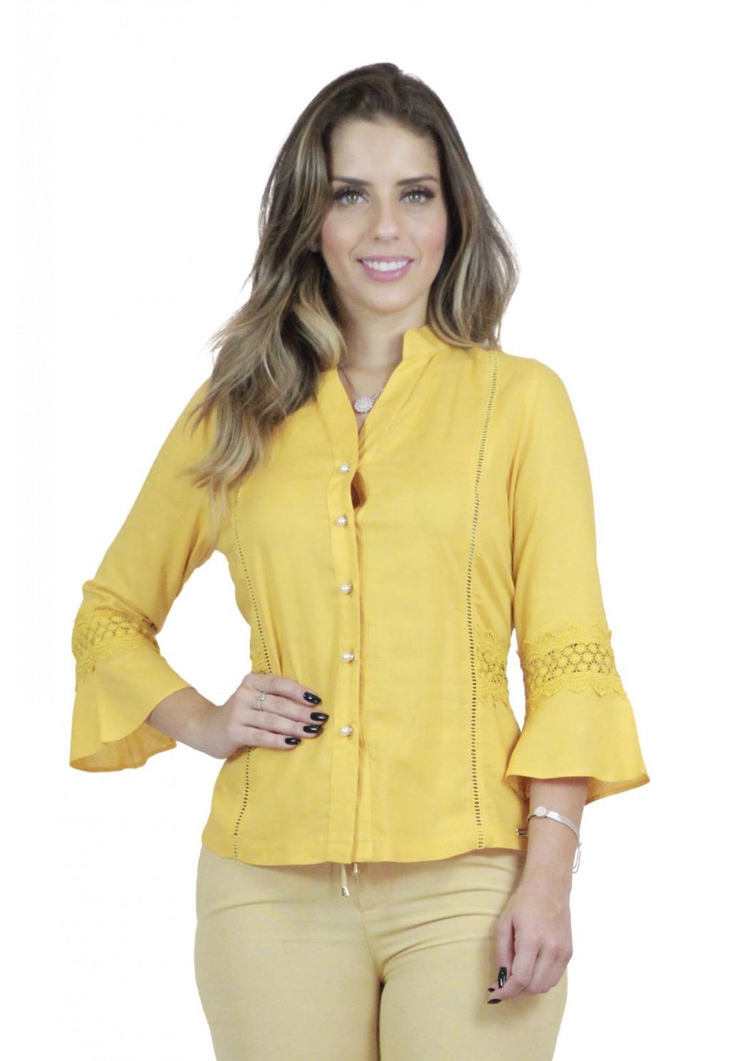 Camisa Mamorena com renda e botões