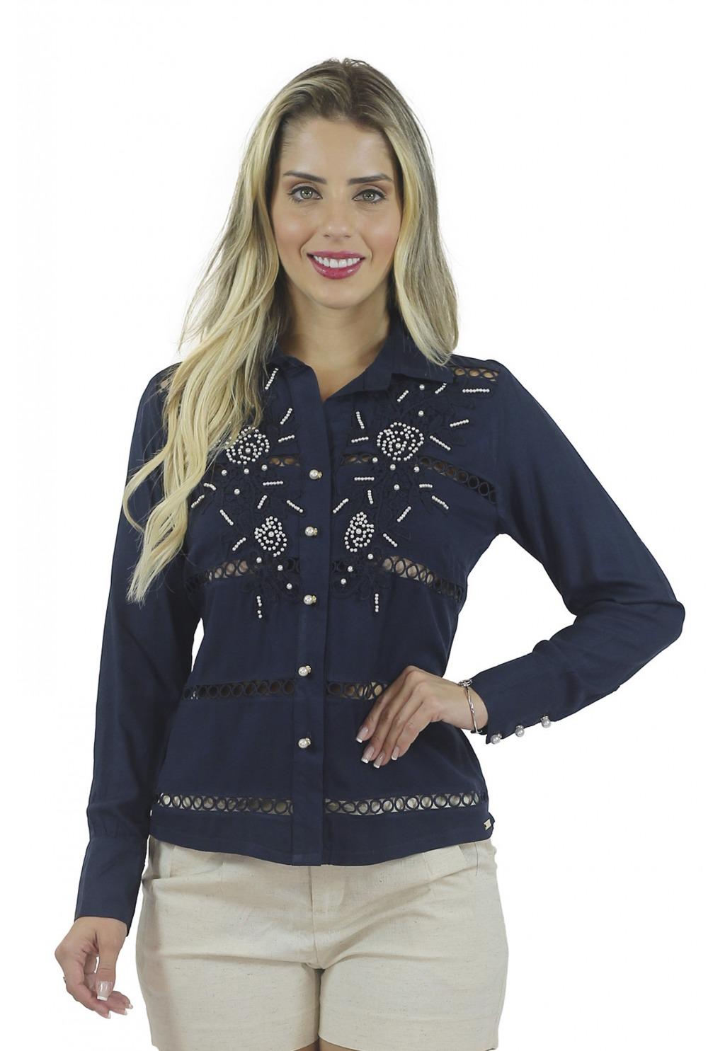 Camisa Mamorena com entremeios e aplique bordado