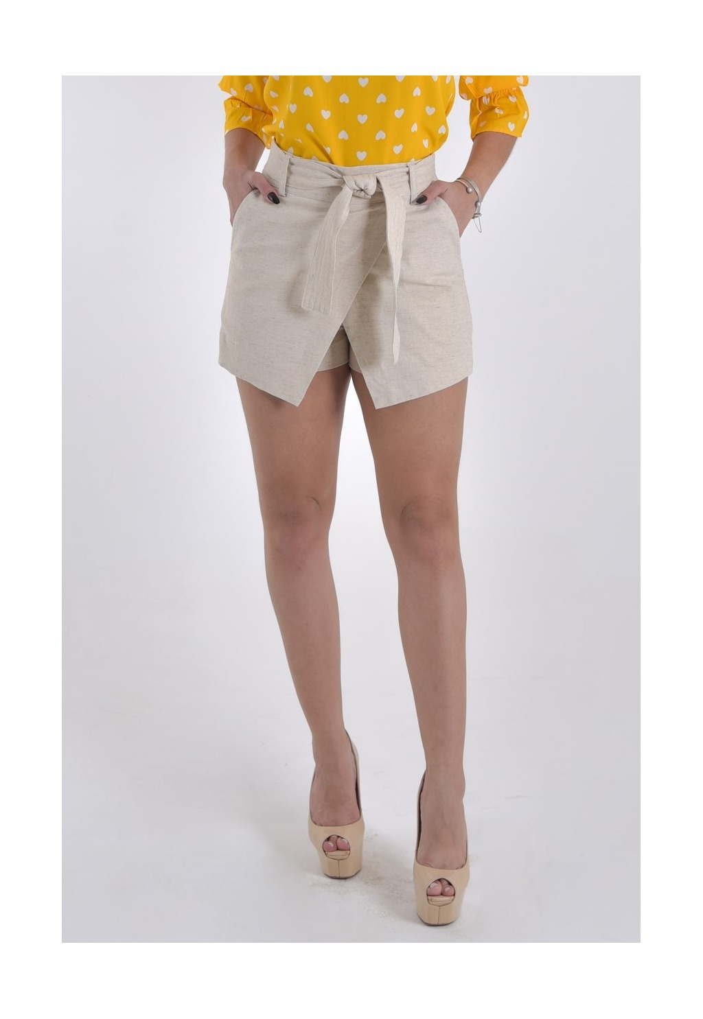 Short -saia Mamorena linho com faixa pespontada