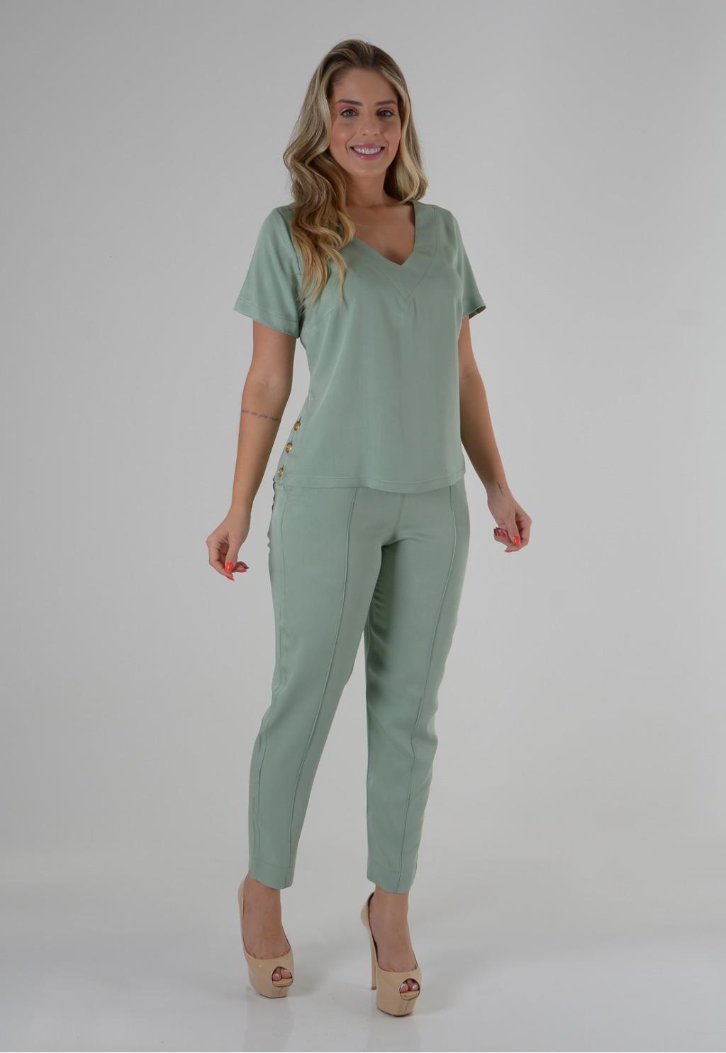 Conjunto Mamorena calça e blusa com detalhe botões